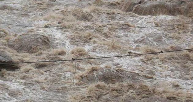 गण्डकी प्रदेशः बाढीले सडक, पुल र मन्दिर बगायो, एक जना बेपत्ता