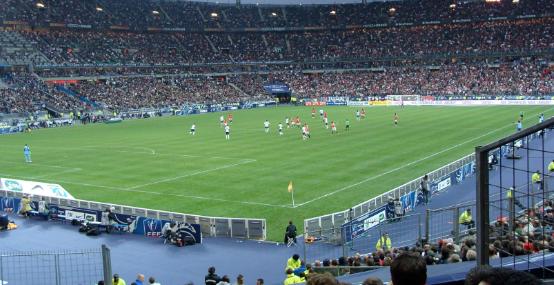 फ्रेन्च कप चलिरहँदा खेल मैदानमै फुटबल खेलाडीको मृत्यु