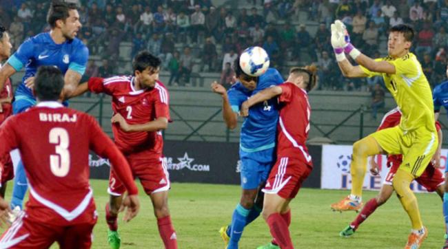 नेपाली फुटबल टोली किन अन्तर्राष्ट्रिय प्रतिष्पर्धामा खरो रुपमा उत्रिन सक्दैन ? यस्तो छ कारण !