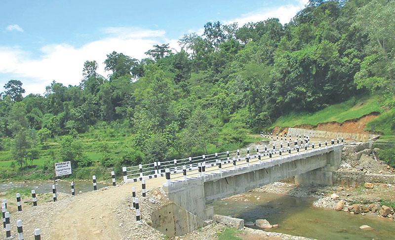 वैकल्पिक पक्की मोटरेवल पुल निर्माणः स्थानीय हर्सित