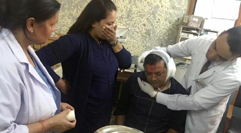युवा नेता गगन थापालाई लक्षित गरि बम प्रहारपछिका तस्विरहरु