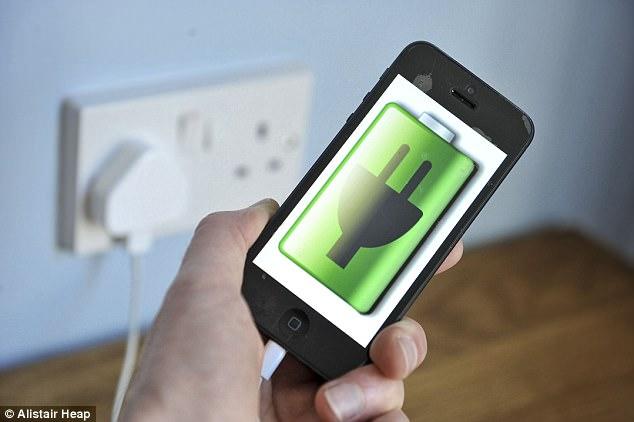 राति मोबाइल चार्जमा राखेर सुत्ने बानि छ ? यो पढ्नुहोस्