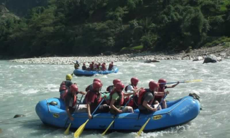 कर्णाली नदीमा साहसिक जलयात्रा