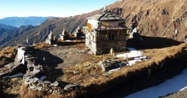 प्रसिद्ध धार्मिकस्थल रिखार पर्यटकको पर्खाइमा