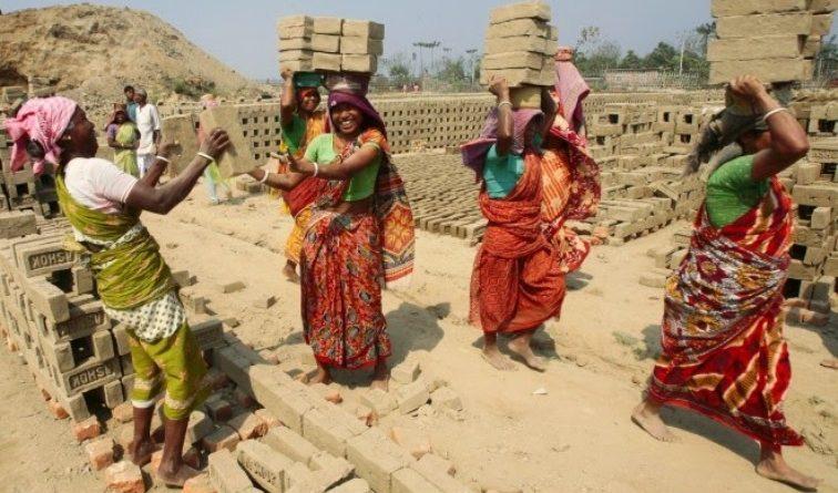 ज्यालामा विभेद भोग्दै रोल्पाका महिला मजदूर