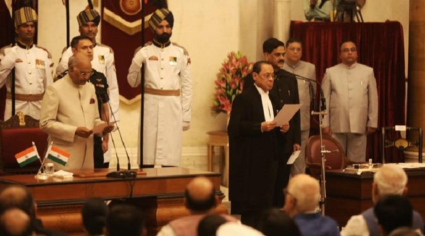 भारतीय प्रधानन्यायधीशद्वारा सपथ ग्रहण