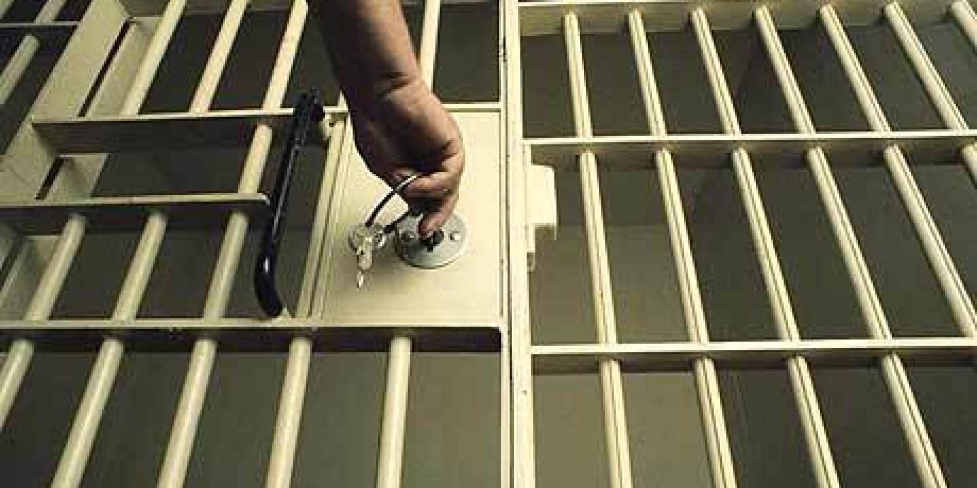 नख्खु जेलबाट कैदीलाई कसले भगायो ?