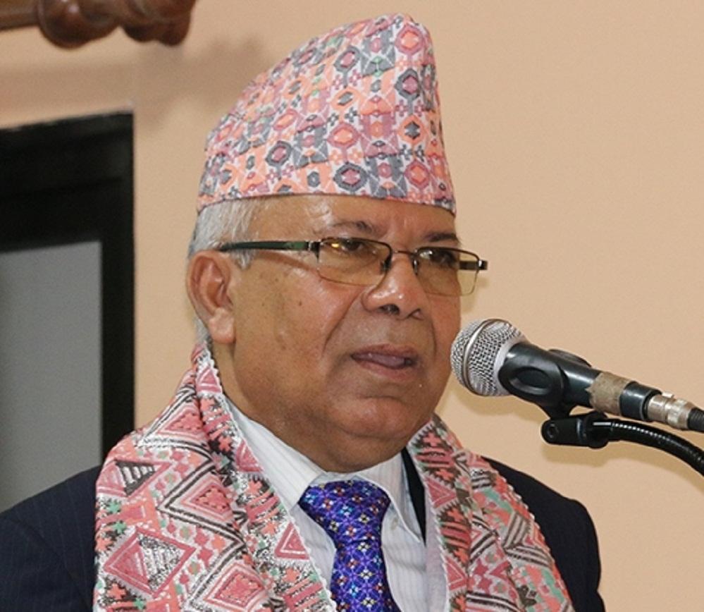बरिष्ठ नेता नेपाल आफ्नै अध्यक्ष ओली सरकारसँग यसरी देखिए असन्तुष्ट