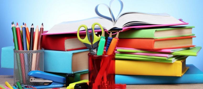 दलित, विपन्न परिवारका विद्यार्थीलाई शैक्षिण सामग्री वितरण