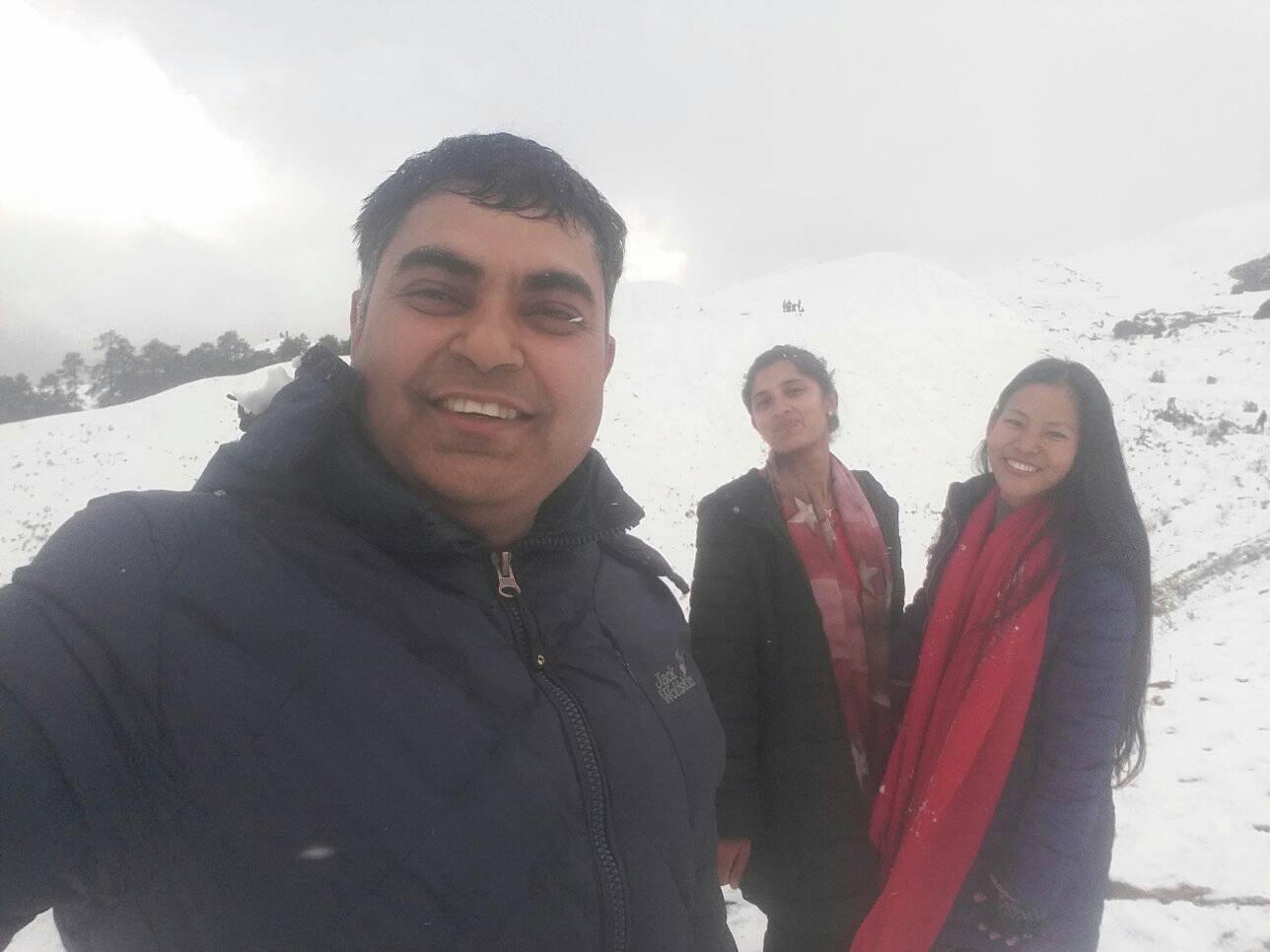 उच्च क्षेत्रमा वर्षा हिमपात, पर्यटक र किसानमा खुशी छायो