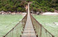 झोलुङ्गे पुल बनेपछि स्थानीयवासीहरुको छोटियो यात्रा