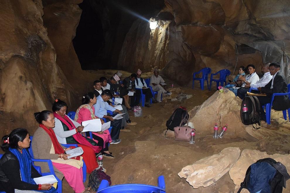 दक्षिण एशियाकै ठूलो 'गुफा'भित्र कार्यपालिकाको बैठक
