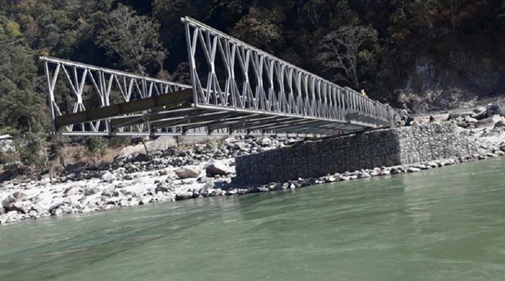 तीन गाउँपालिका जोड्ने दूधकोशी नदीको दिप्लीघाटमा निर्माण