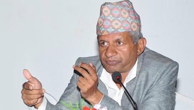 पार्टी र सरकारभित्रका कमजोर कुरालाई कलम तिखारेर लेख्नुहोस् –परराष्ट्रमन्त्री ज्ञवाली