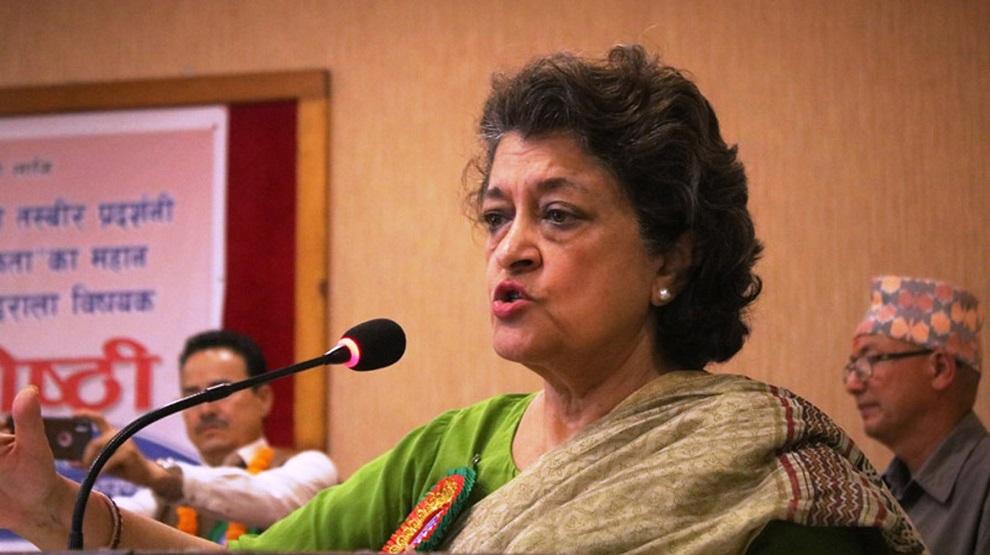 पशुपतिमा गाँजा र धतुरो खाएर नाङ्गै हिँड्ने बाबालाई रोक्नुपर्छः नेतृ कोईराला