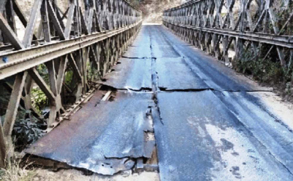 जीर्ण बन्दै म्याग्दीका पक्की पुल, बेलिब्रिज पनि कमजोर