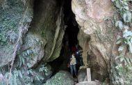 पर्यटकको पखाईमा झोवाङको शीतल गुफा