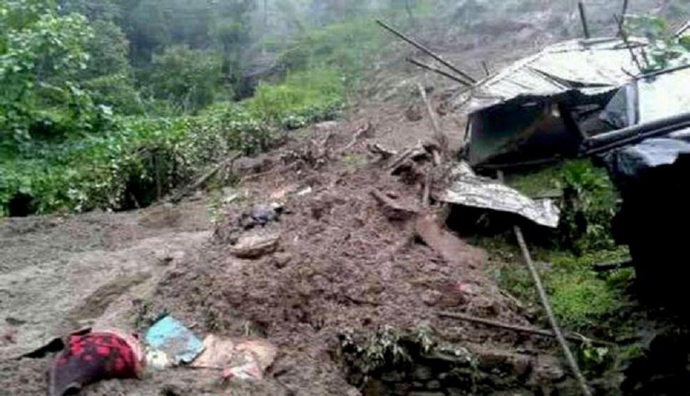 वाढी/पहिरोको दुर्दसाः कालिकोटमा पहिरो जाँदा ८ को मृत्यु