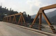 २४ घण्टादेखि पूर्व–पश्चिम राजमार्ग अवरुद्ध