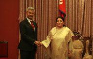 राष्ट्रपति भण्डारीसँग शिष्टाचार भेट गर्दै भारतका बाह्य मामिलामन्त्री जयशङ्कर