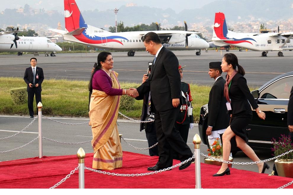 चिनियाँ राष्ट्रपति सी जीनफीङ काठमाण्डौमा, समकक्षी भण्डारीले गरिन् स्वागत्