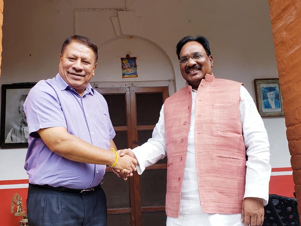 नेता सिंह र भाजपा प्रवक्ताबीच चाक्सीबारीमा भेटवार्ता