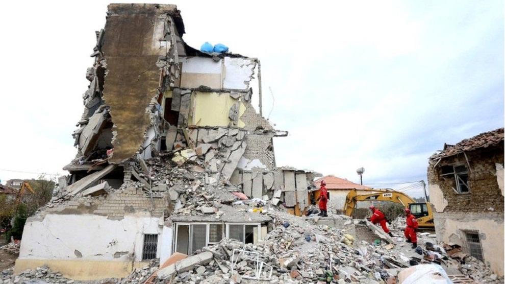 अल्बानिया भूकम्प (अपडेट)  झण्डै ५० को मृत्यु, पाँच हजार विस्थापित