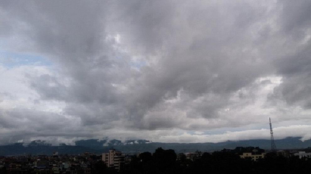 आज दिनभर घाम नलाग्नेः काठमाडौं सहित विभिन्न स्थानमा मध्यम वर्षा, उच्च पहाड र हिमालमा हिमपात