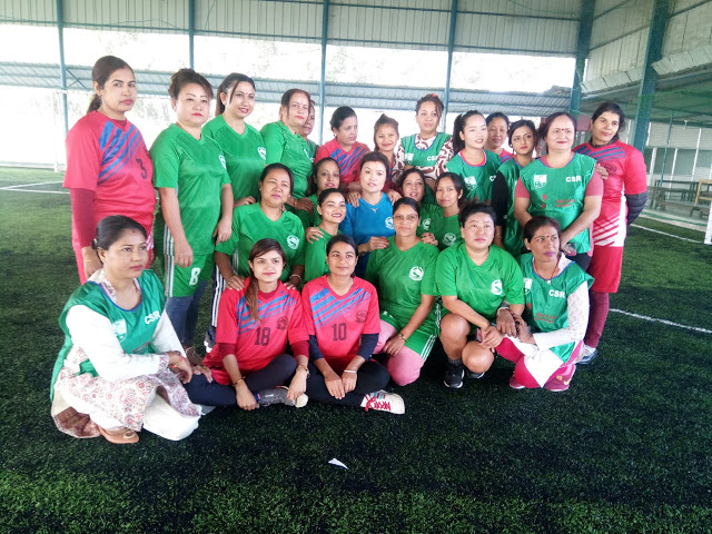इटहरीमा लैगिंक हिंसा विरुद्ध महिलाले खेले फुटसल