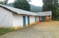 ग्रामीण बस्तीका बालबालिका हँसिया बोकेर धान काट्नः सामुदायिक विद्यालय सुनसान