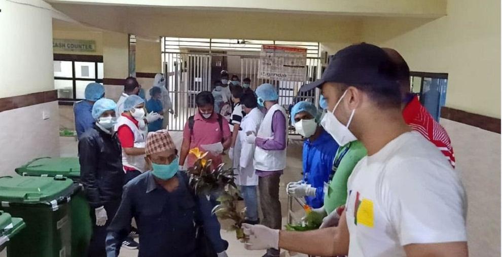 गण्डक अस्पतालमा उपचाररत २१ जनाले जिते कोरोनाः गरियो डिस्चार्ज