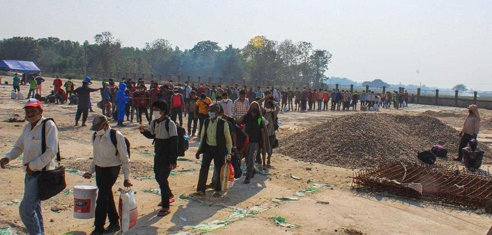 लकडान कै बेला भारतबाट ५ हजार भित्रिएः गरिएन कोरोना परिक्षण