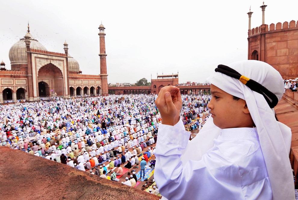 आज मुस्लिम धर्मावलम्बीले बकर इद (इदुल जोहा) मनाउँदै