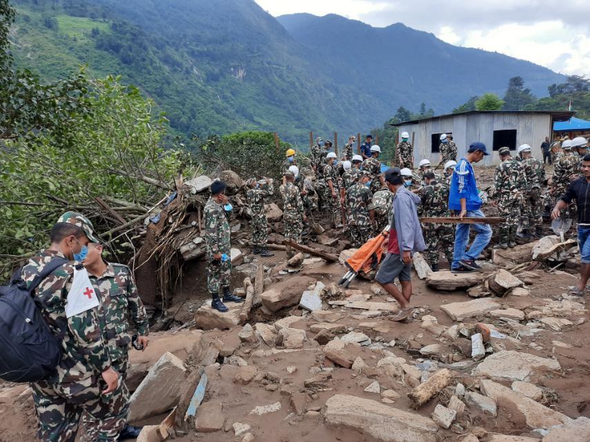 पहिरोपीडितको उद्धारमा नेपाली सेना(तस्विरहरु)