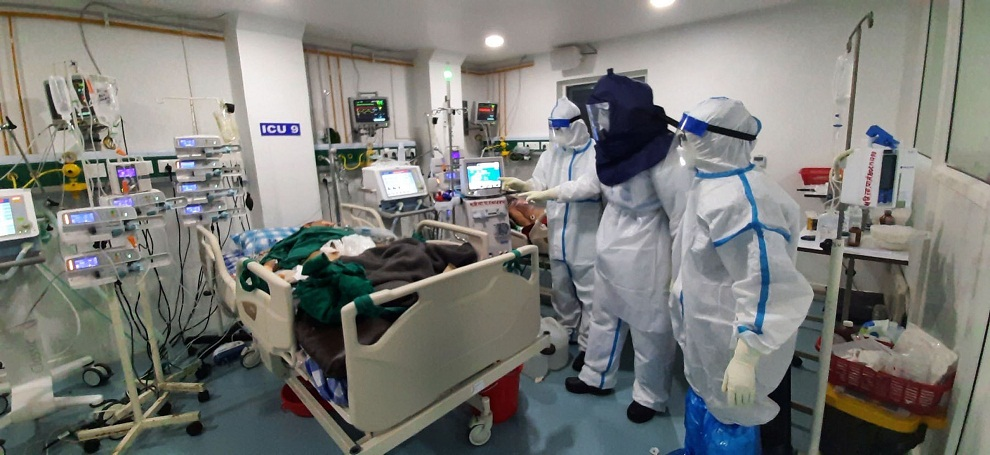 भारतमा कोरोनाको राज : एकैदिन २२ सय बढीको मृत्यु, ३ लाख ३२ हजार संक्रमित